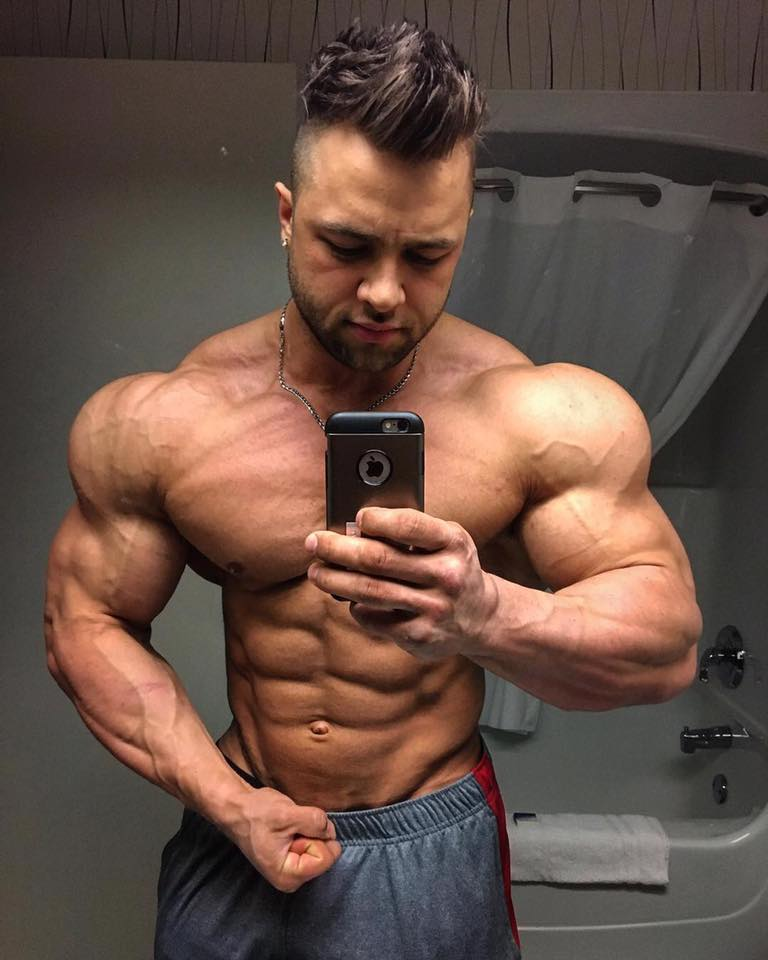 www.risingmuscle.com — Shoulder Workout with IFBB PRO
